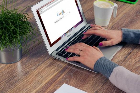 Spécialiste de la gestion en ligne des contrats